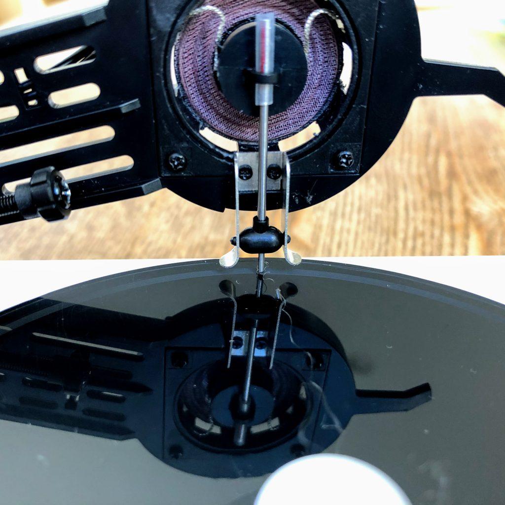 ▲オリジナルのカッティング針。音の振動をレコードに刻みます。