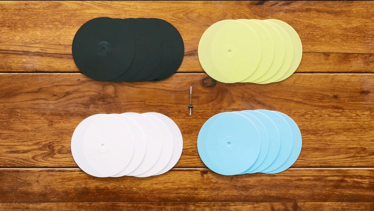 「追加注文のレコードは4色から選べ、1袋5枚入り」画像