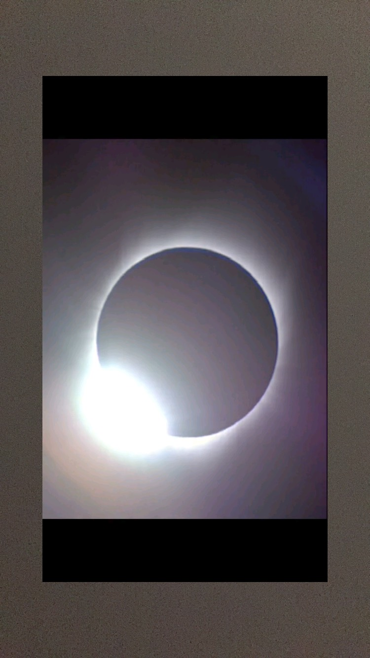 「皆既日食」映像