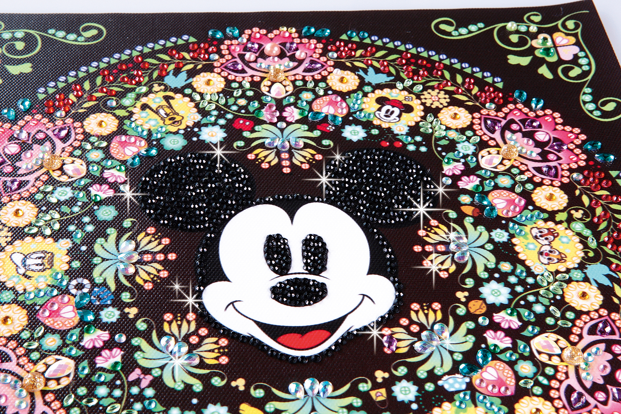 「人気運の象徴のミッキーマウスを中心とした素敵な模様 」画像