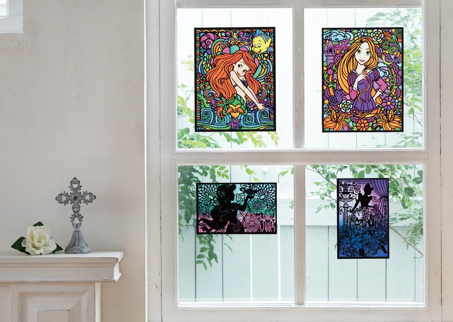 「窓にはると美しいステンドグラスに」画像